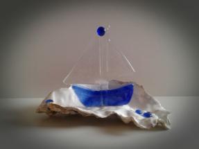 Lille glas skib på skal