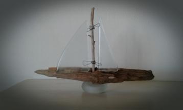 Drivtømmer Skib med flæs sejl